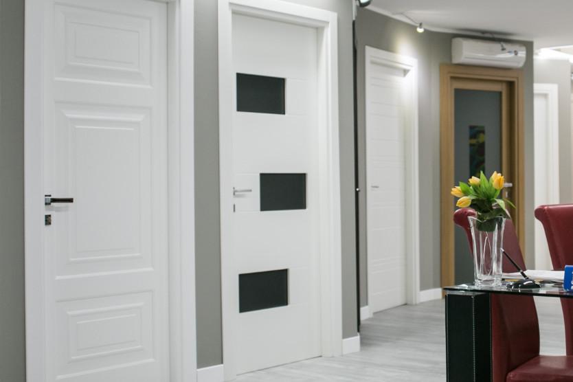 Company profile torino porte e finestre lavorazione del legno tradizionale e con tecnologie - Showroom porte e finestre ...